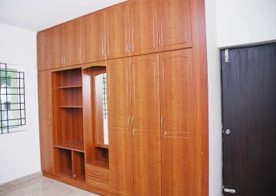 3 Door Wardrobe with more Compartment