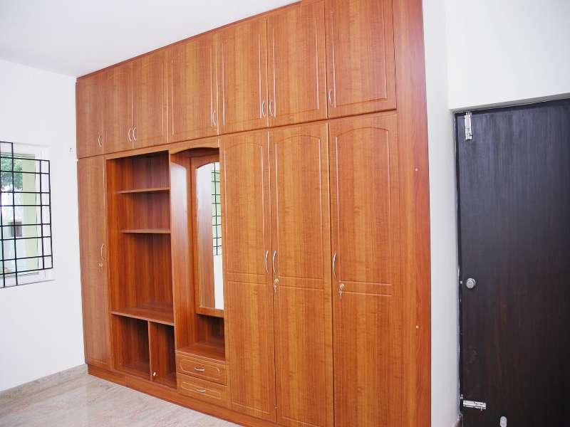 3 Door Wardrobe with more Compartment