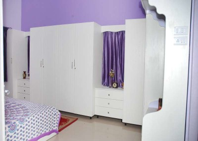 White Wardrobe with Elegant Look